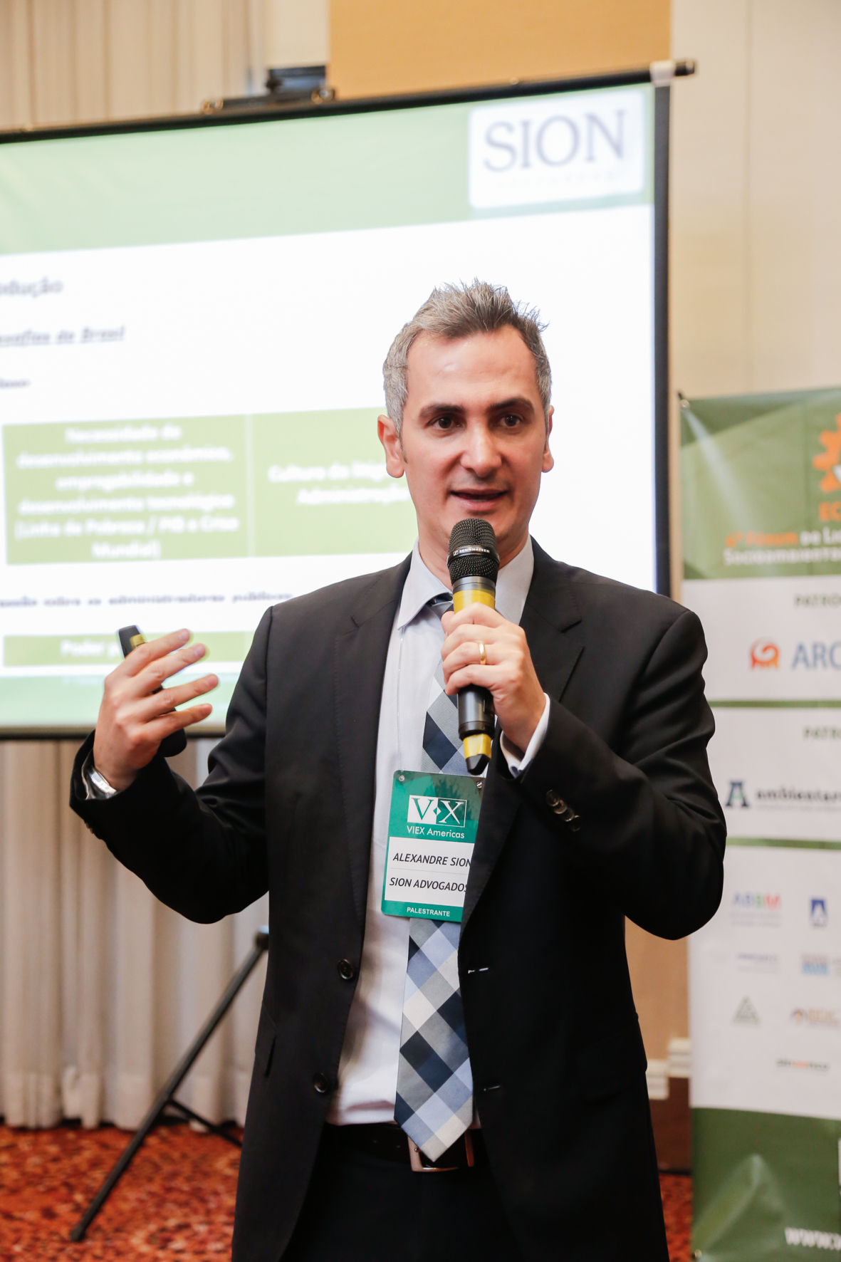 Alexandre Sion spoke at ECOINFRA 2015 – 4th Forum for Infrastructure Socio-environmental Licensing and Management